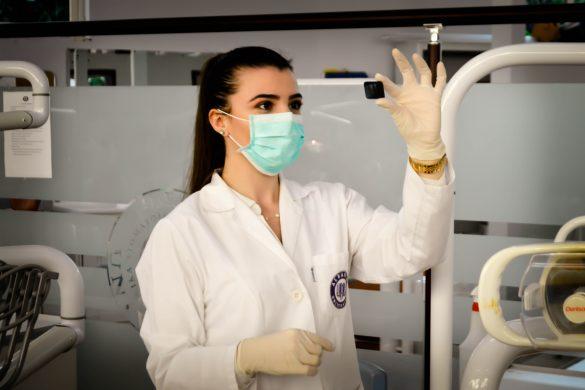 Une chercheure médicale