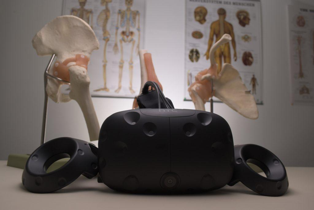 un casque de VR dans le cabinet d'un médecin